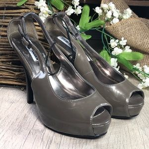Steve Madden gray patent leather platform sz 7.5